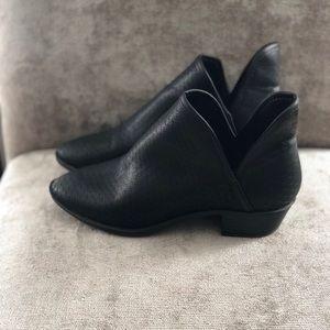 🌿Steve madden Black booties 🌿NBW
